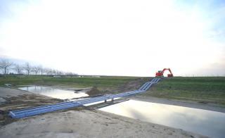 Aanleg toegangsbrug speeltuin